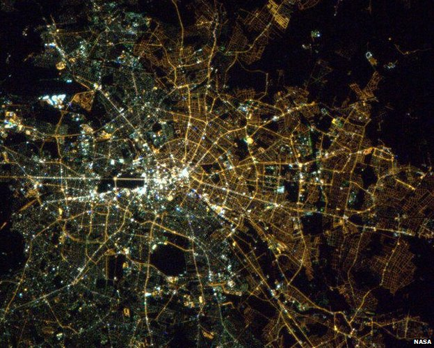 carte eclairage nocturne ciel lumiere Berlin